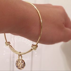 🌿🌹🌿 TORY BURCH CHARM w/ GOLD ADJUSTABLE BANGLE
